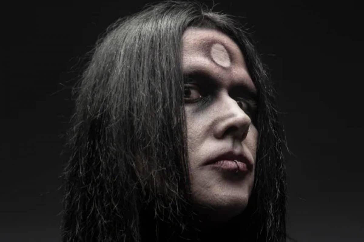 """Wednesday 13 sur les allégations d'abus concernant son """"grand ami"""" Marilyn Manson : """"Il est innocent jusqu'à preuve du contraire"""""""