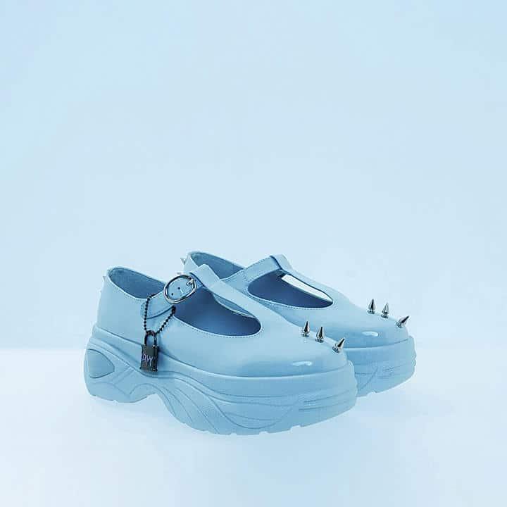 Poppy s'associe à Koi Footwear pour une nouvelle collection de chaussures !