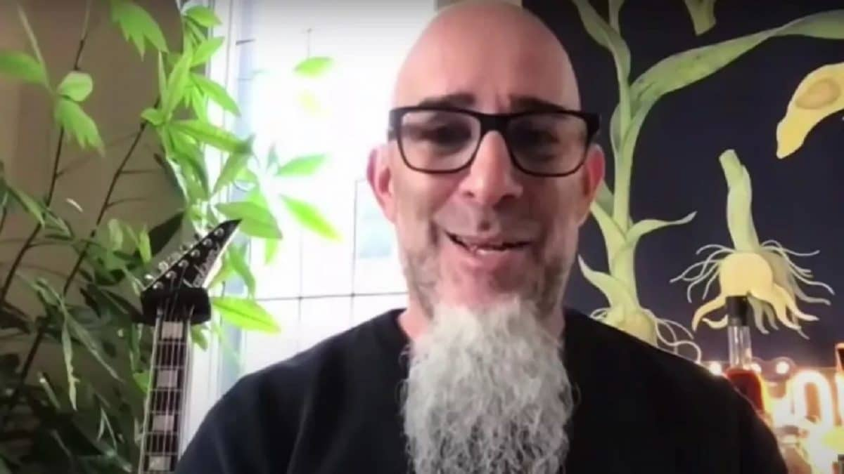 """Scott Ian de Anthrax admet qu'il était """"fou de jalousie"""" lorsqu'il a entendu Metallica pour la première fois"""