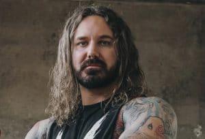 Tim Lambesis, du groupe As I Lay Dying, est poursuivi par une femme pour des brûlures subies lors d'un feu de joie