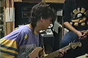 Regardez Eddie Van Halen jouer Amsterdam des années avant sa sortie en 1995