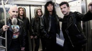 """Le batteur de Anthrax pense que le manque de tone est le gros problème des groupes d'aujourd'hui : """"C'est un art en voie de disparition - et la tone fait la chanson !"""""""