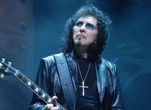 """Tony Iommi de Black Sabbath déclare que les bandes originales de l'album Born Again ont été retrouvées : """"Je pense à le remixer"""""""