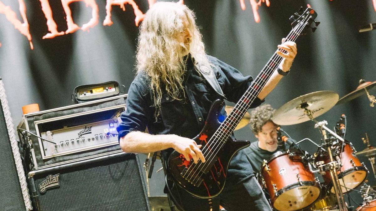 Alex Webster, de Cannibal Corpse, révèle les coulisses de l'écriture du nouvel album, Violence Unimagined !