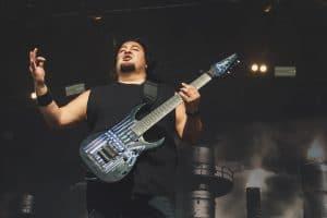 Dino Cazares de Fear Factory rejoint Soulfly pour la tournée 2021 !