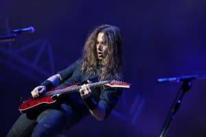 Le guitariste de Megadeth dit qu'il n'a jamais aimé les solos de guitare de Kirk Hammett