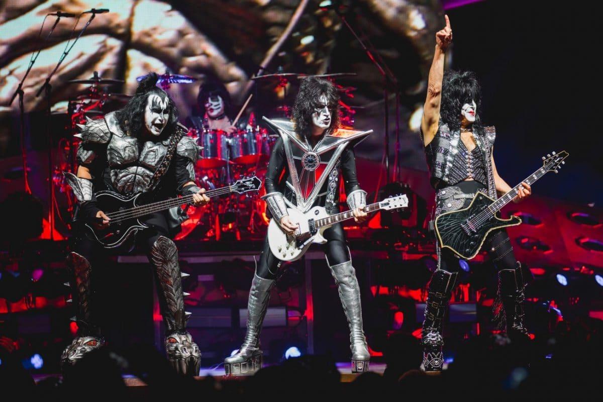 Kiss suspend sa tournée End Of The Road après que Paul Stanley a été testé positif au coronavirus