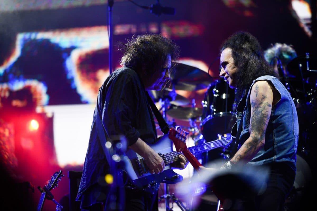 The Cure : Après 40 ans de collaboration, le bassiste Simon Gallup quitte le groupe