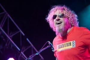 """Sammy Hagar à propos de David Lee Roth au sein de Van Halen : """"C'est un style complètement différent, et je ne respecte pas vraiment sa façon de faire"""""""