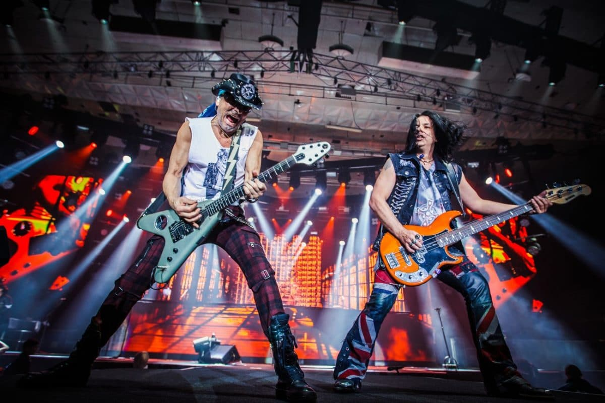Regardez Scorpions répéter une toute nouvelle chanson !