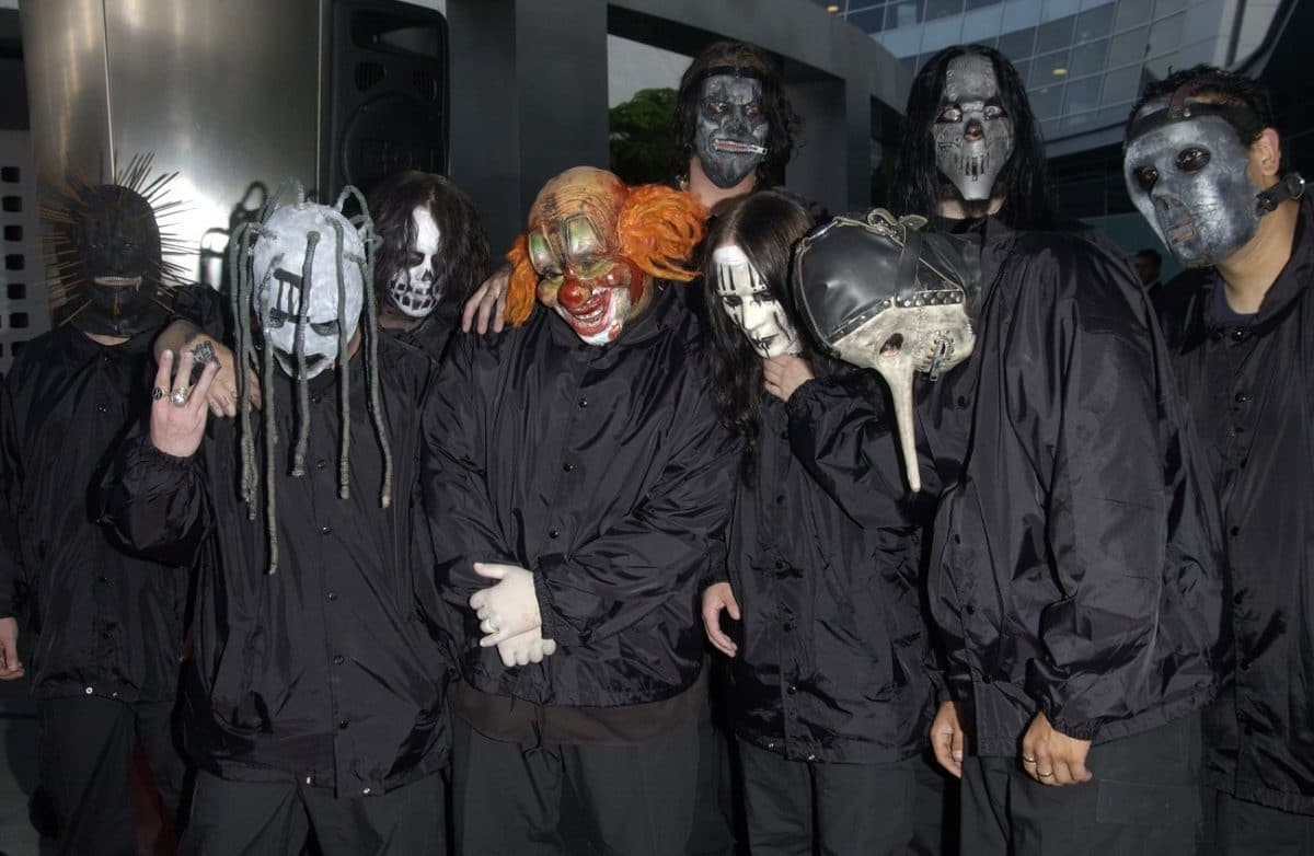 Corey Taylor publie une photo avec Joey Jordison et Paul Gray en souvenir d'une époque plus innocente