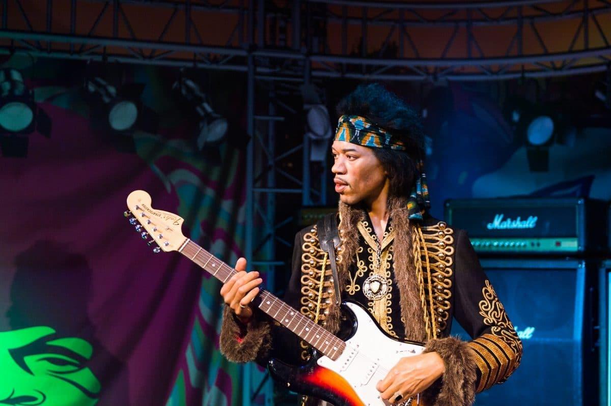 """Un producteur affirme que Jimi Hendrix """"n'était pas un bon chanteur"""" et qu'il """"détestait sa voix"""""""