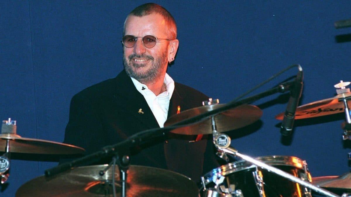 Ringo Starr (The Beatles), Charlie Watts (The Rolling Stones) & John Bonham (Led Zeppelin) : Trois batteurs légendaires dans un grenier !