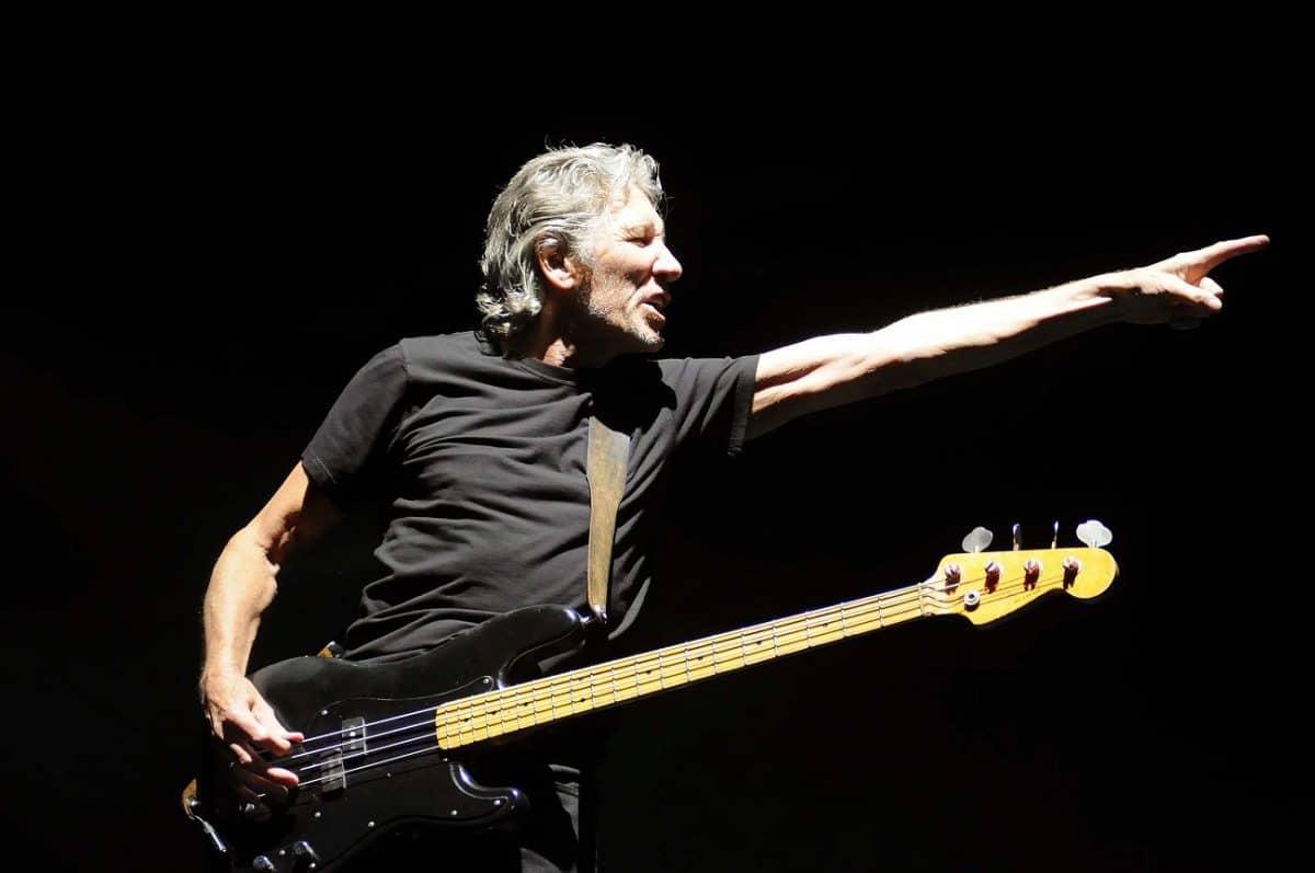 """Pink Floyd : Roger Waters dénigre ses anciens camarades de groupe, Gilmour et Wright, en disant qu'ils étaient """"toxiques"""" et """"prétentieux"""""""
