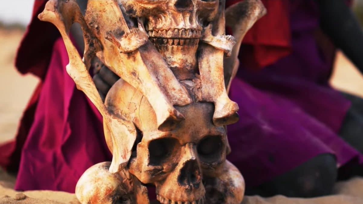 Signs Of The Swarm sort un nouveau clip vidéo, Death Whistle