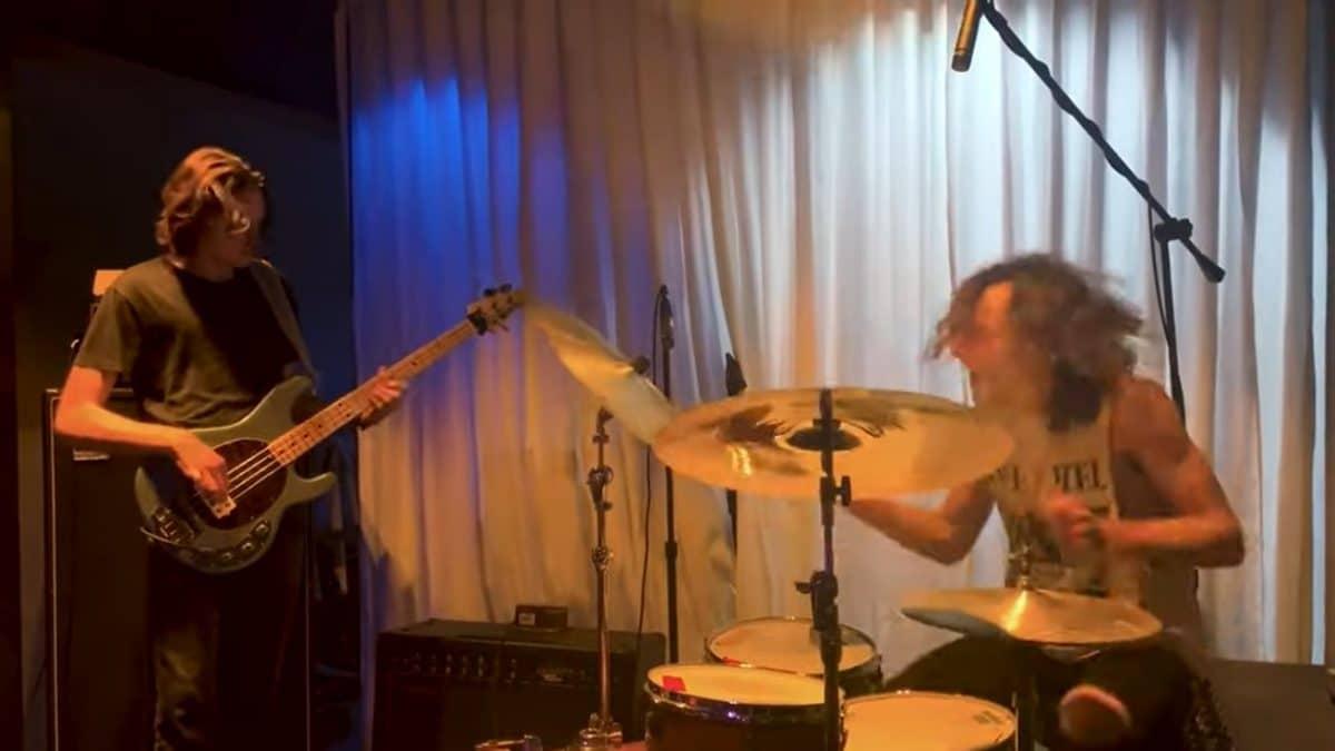 Les fils du batteur de Metallica, Lars Ulrich, forment un nouveau groupe, Taipei Houston