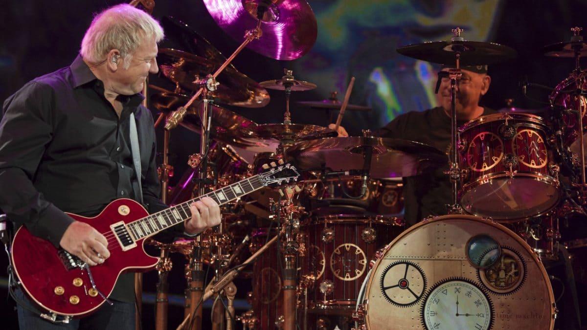 """Rush : Alex Lifeson à propos des tournées : """"Après 40 ans à rester assis dans des chambres d'hôtel, ça ne m'intéresse plus"""""""